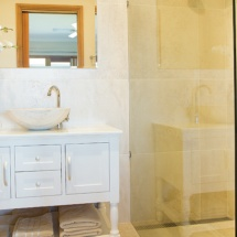 Bathroom_700-x-450pxl